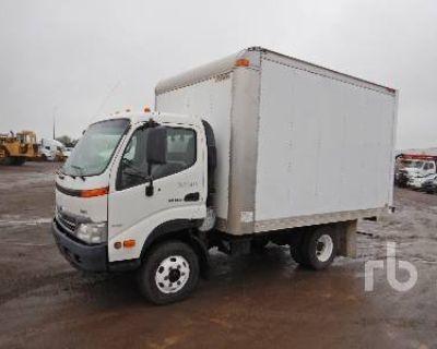 2009 HINO SA Box Trucks, Cargo Vans Truck