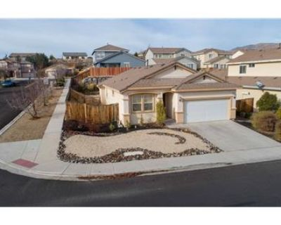 Fully Furnished 3 Bedroom, 3 Bath house in NW Reno