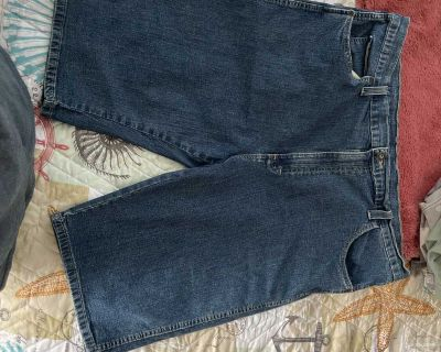 Never worn Dickies jean shorts size 42