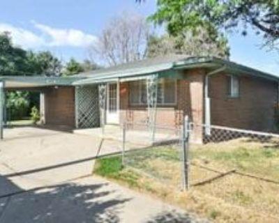 10530 E 10th Ave, Aurora, CO 80010 3 Bedroom House