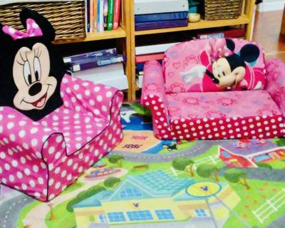 Minnie Mouse bundle of chair, couch and rug