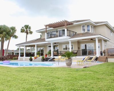 Luxury Villa with heated pool,dock,near beach, Views and Sunsets! - St. Augustine