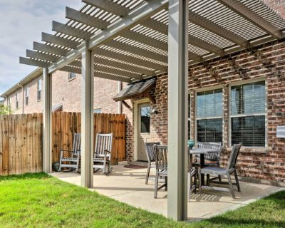 College Station Townhouse w/ Patio & Pool Access! - College Station