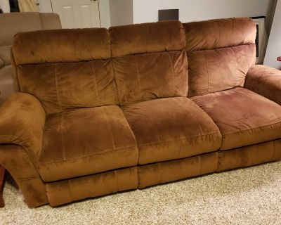 Recliner Sofa/Couch