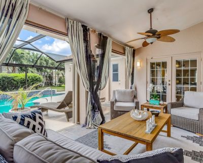 Eclectic Home With Private Pool and Free High-speed Wifi - Snowbird-friendly! - Pelican