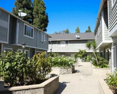 Beautiful Town home - 15 Min from UCI