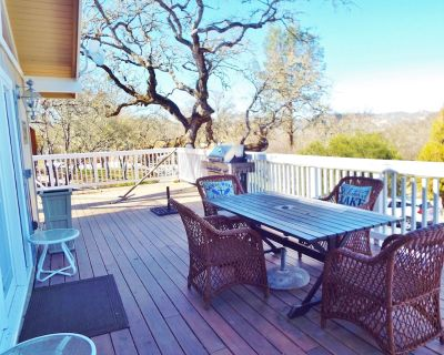 Landlubber Lake Life Relax on the large deck, WiFi, Kitchen with Granite Counter - Oak Shores