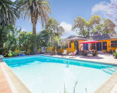 Charming Property Heated Pool for Classes, Meetings & Workshops, Studio City, CA