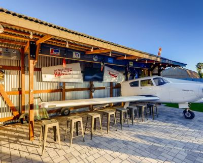 THE HAPPENIN' HANGAR by JUST STAY with SPA & PET FRIENDLY - Paradise Valley Village