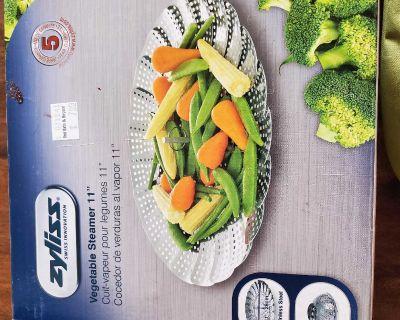 Vegetable steaming basket
