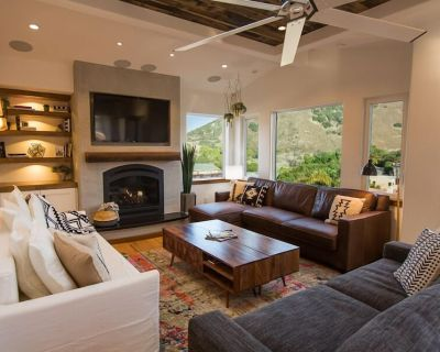 2 Bedrooms, 2.5 Bathrooms, Sleeps 8 with mountain views and close to wineries - Avila Beach