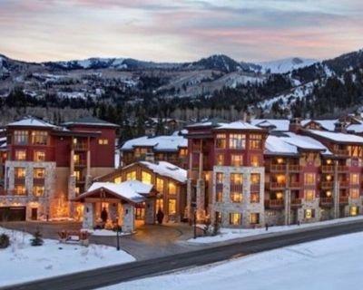HILTON Sunrise Lodge (Ski In/Out) Feb 12-19. $699p/n. 2bed/3ba - Park City
