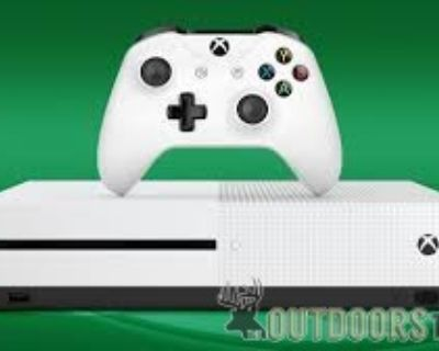 FT Xbox one with one controller.