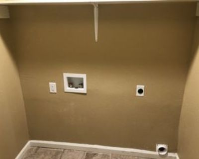 16 Markwest Cv #R, Jackson, TN 38305 3 Bedroom Apartment