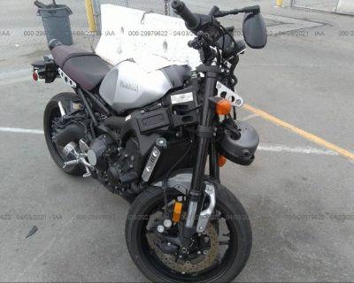 Salvage Gray 2016 Yamaha Xsr900