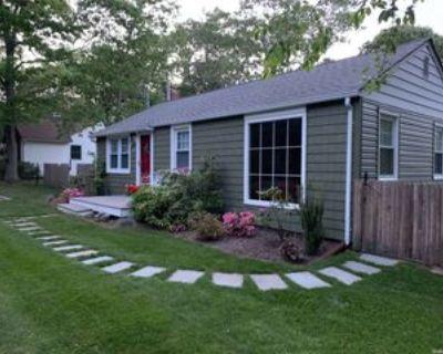 27 Kyle Rd, Hampton Bays, NY 11946 3 Bedroom House