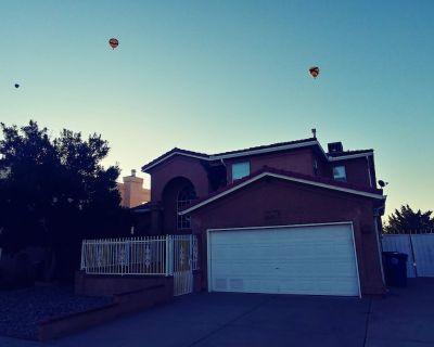 Westside Balloon Fiesta Getaway - Taylor Ranch