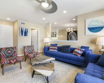 Luxury Condo with Private Patio, Fire Pit & Grill | Walk to Disneyland - Hermosa Village