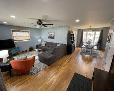 *Cedar Hill* Close to Asheville food and fun. Outdoor Grill Area, Fire Pit, Cozy - Asheville