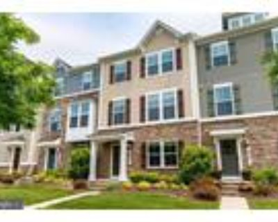 Roommate wanted to share 4 Bedroom 2.5 Bathroom Townhouse...