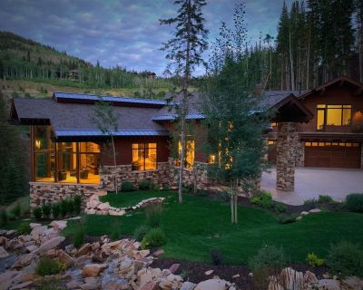 Luxury ski-in/ski-out Park City mansion with grand mountain views Movie Star Mansion - Park City