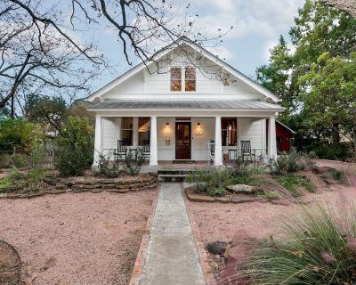 Bella Regalo   Exquisite Home for 8 - Fredericksburg