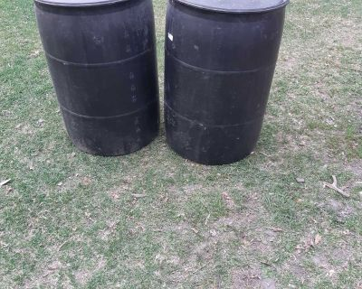 Closed 55 gallon barrels/drums in good condition