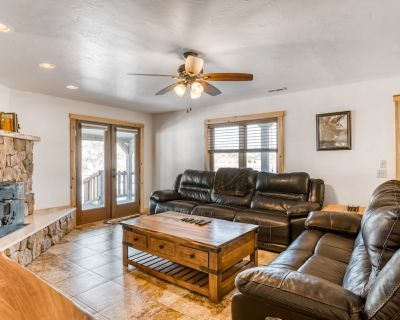 Four-Bedroom House Near Rio Grande w/Free WiFi/Patio/Game Room w/Ping-Pong Table - South Fork