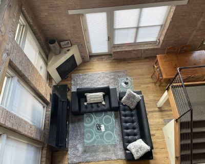 Downtown Milwaukee Open Concept 2 Story Loft - Fifth Ward