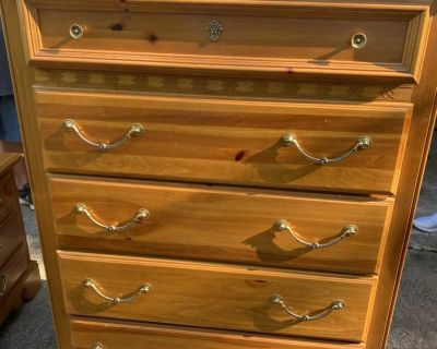 Chest of Drawers with 2 matching nightstands