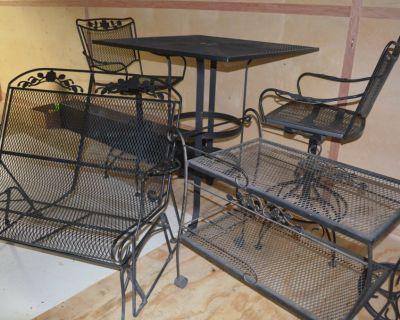 5 pc (set)  black metal Patio furniture