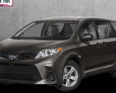 2020 Toyota Sienna LE Auto Access Seat