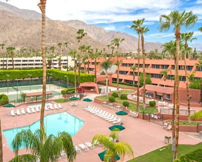 1 BDRM~ MARQUIS VILLAS RESORT~ GREAT LOCATION, BOOKS IN ADVANCE, FULL KITCHEN - Downtown Palm Springs