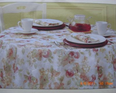 """Thanks giving Fall colors Table Cloth FRUIT ORCHARD Microfiber 60"""" x 102"""" Oblong NIP"""