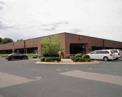 Office/Warehouse Space w/Dock Doors & Drive-in Doors - Cliff Rd & Portland in Burnsville
