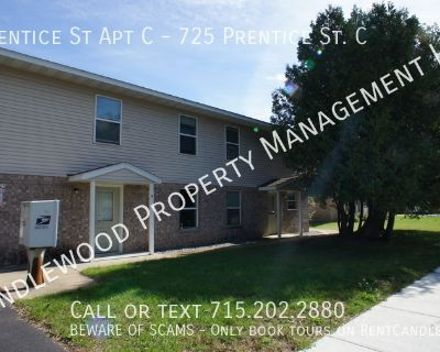 5 Bed. Townhouse-Style Apartment Close to Campus Available Now!