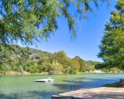 Stunning Views and Awesome Guadalupe River Access! Sleeps 10! - Hunt