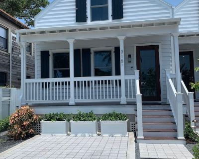 New home for rent located two blocks away from Duval and the beach - Bahama Village