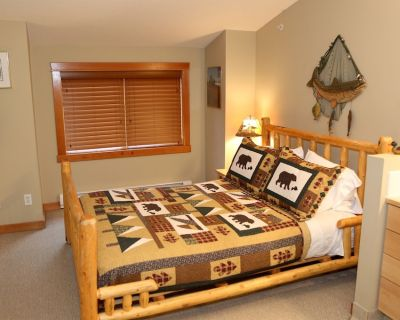 BEAR CREEK CROSSING - Your Cabin In A Condo! - Canmore