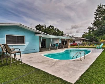 Sarasota Home w/Large Backyard & Water Access - Whitfield Estates