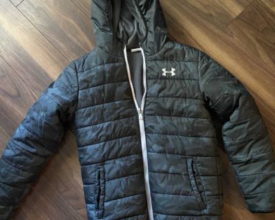 Boys large Under Armor reversible winter coat