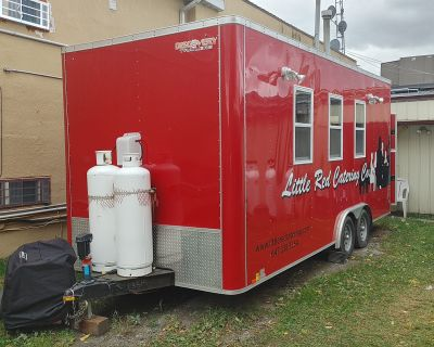 2016 Discovery Professional Kitchen Trailer in Ontario, Canada