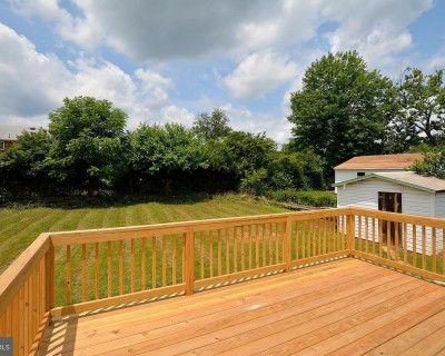 Suburb Backyard in Springfield, Virginia with Garden & Trees, Springfield, VA