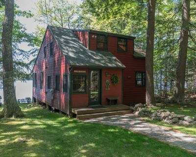 Enchanted Summer/Fall lakefront Cottage - Falmouth