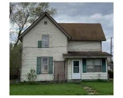 4 Bed 1 Bath Foreclosure Property in Poplar Grove, IL 61065 - S State St