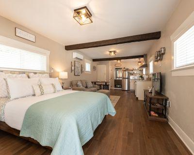 The Cozy Cottage - Old Colorado City