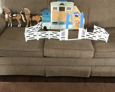 Barbie Horses with Stable 15.00