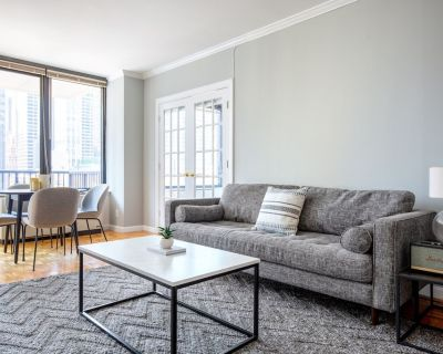 Bright Sutton Place 2BR w/ Pool, Gym, near Central Park, by Blueground - Sutton Place