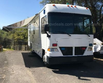 2006 Eagle RV Command Center - low miles