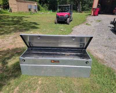 Tractor supply tool box with key